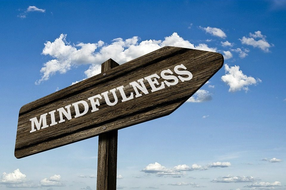 mindfulness reducir sobrepeso obesidad