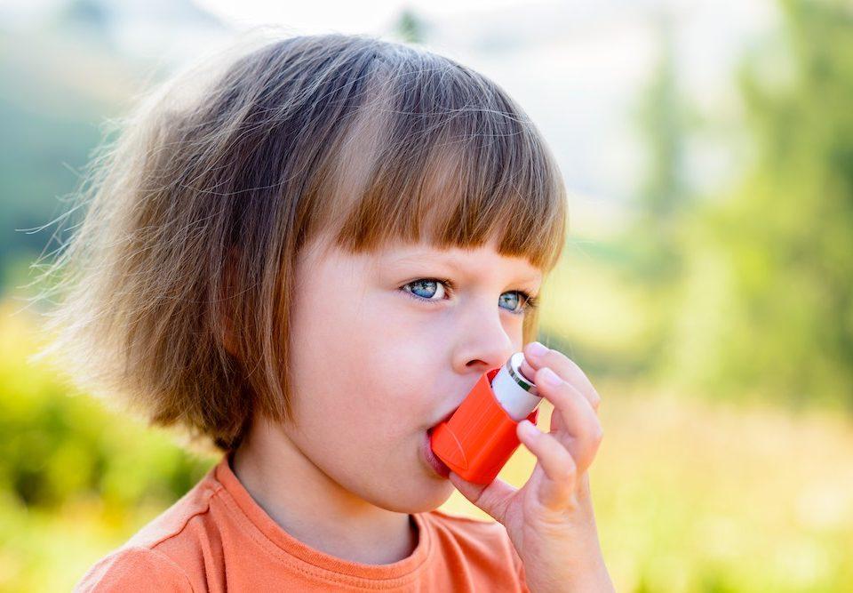 Las infecciones respiratorias aumentan el riesgo de asma en los niño